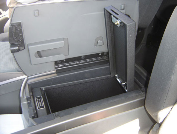 how to open centre opening in nissan titan