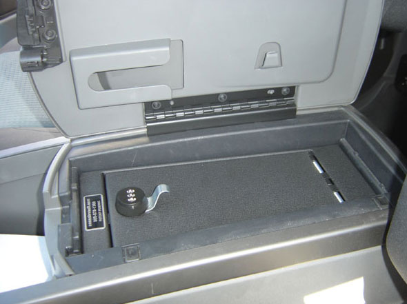 Nissan Titan Console  2004